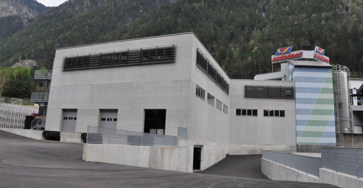 Demolizione e ricostruzione con ampliamento del capannone - Fortezza